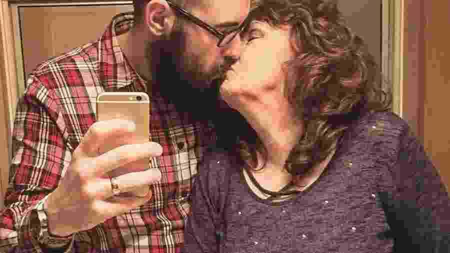 Gary Hardwick, de 23 anos, e Almeda, de 76, se conheceram durante o funeral do filho dela - Reprodução/Instagram