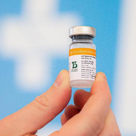 CoronaVac é uma das vacinas com tecnologia de vírus inativado - Matheus Sciamana/Photopress/Estadão Conteúdo