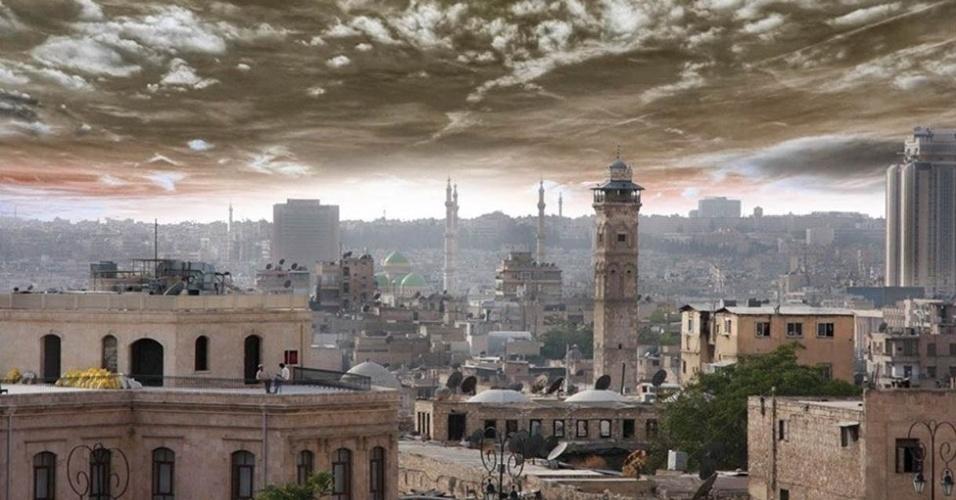 Vista aérea, antes da guerra, de Aleppo, palco de conflito que já matou dezenas de milhares de pessoas
