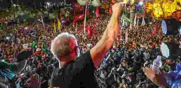 Lula participa de ato na praça da República, em SP, após ter sido condenado pelo TRF-4 - Ricardo Stuckert/Divulgação