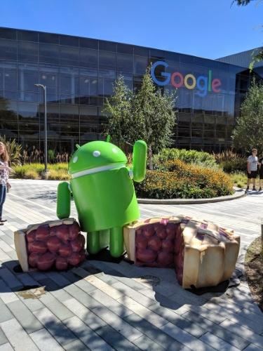 8.ago.2018 - Como nos anos anteriores, o Google colocou em seu campus uma estátua da versão do Android mais recente, --no caso, a 9 Pie