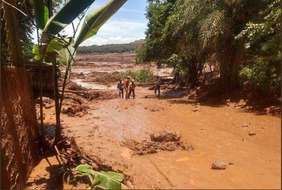 Resultado de imagem para rompimento barragem brumadinho