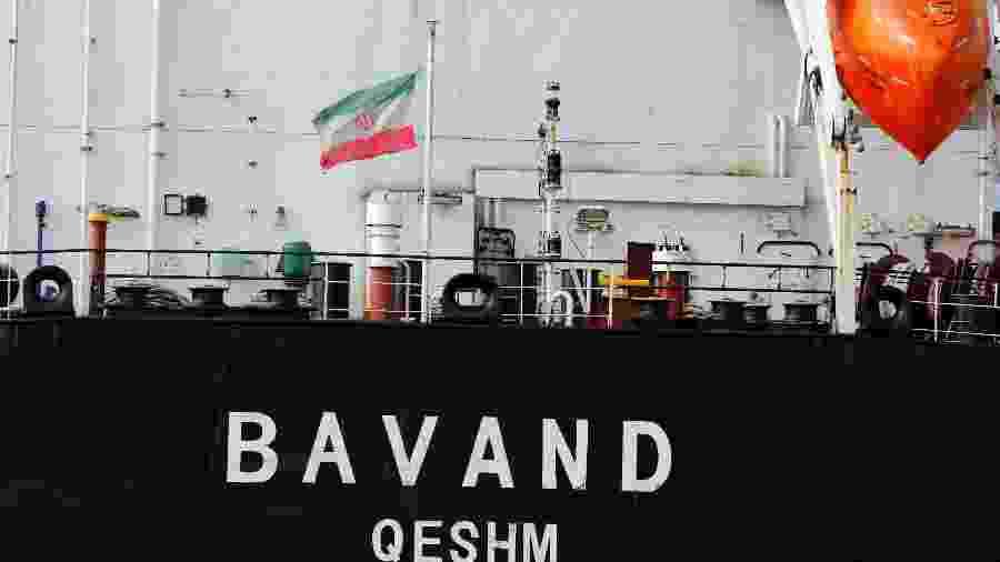 18jul.2019 - Navio iraniano Bavand para perto do porto de Paranaguá, no Paraná - João Andrade/Reuters