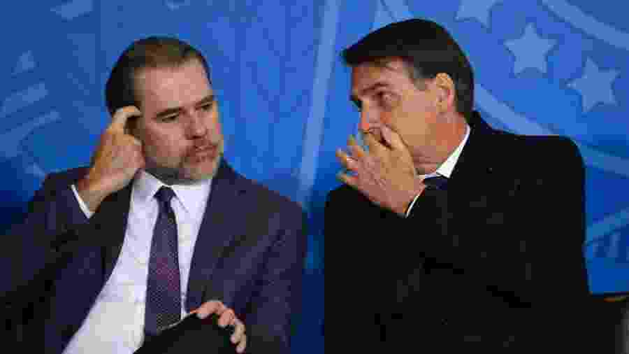 O presidente do STF, ministro Dias Toffoli, com o presidente Jair Bolsonaro em evento - MATEUS BONOMI/AGIF/ESTADÃO CONTEÚDO