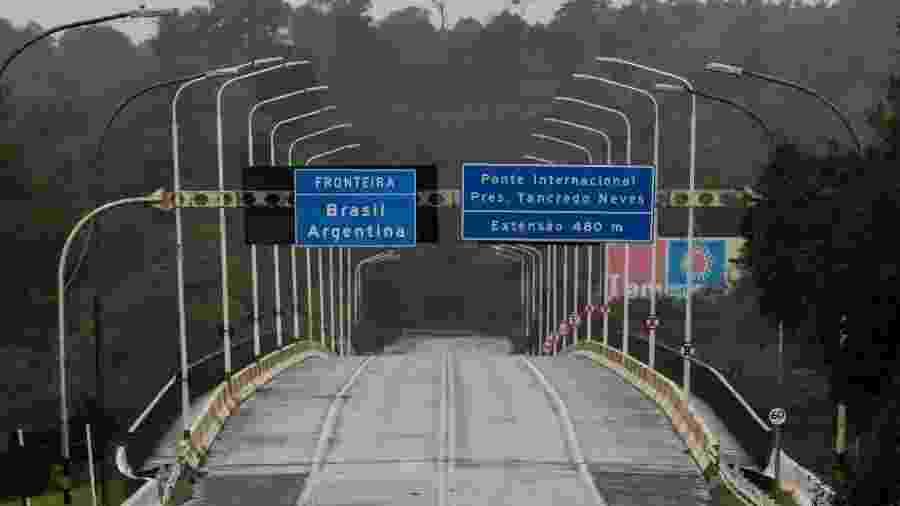 Ponte da Fraternidade, que liga Brasil e Argentina, está fechada por causa do coronavírus - Kiko Sierich/Getty Images