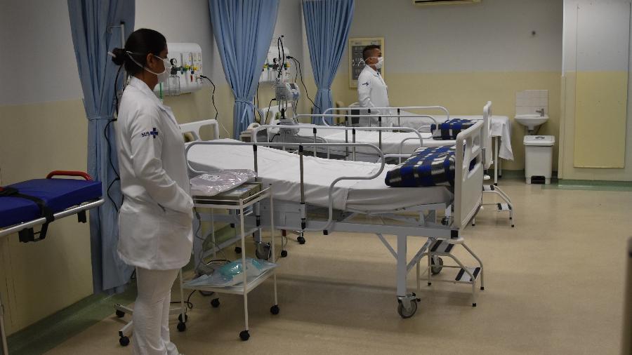 18.abr.2020 - Instalações dos novos leitos para paciente diagnosticados com o coronavírus no Hospital Municipal da Bela Vista, no centro de São Paulo - Roberto Casimiro/Fotoarena/Estadão Conteúdo