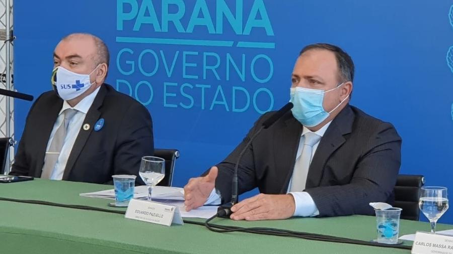 O ministro interino da Saúde, general Eduardo Pazuello (à direita) - Reprodução/Facebook