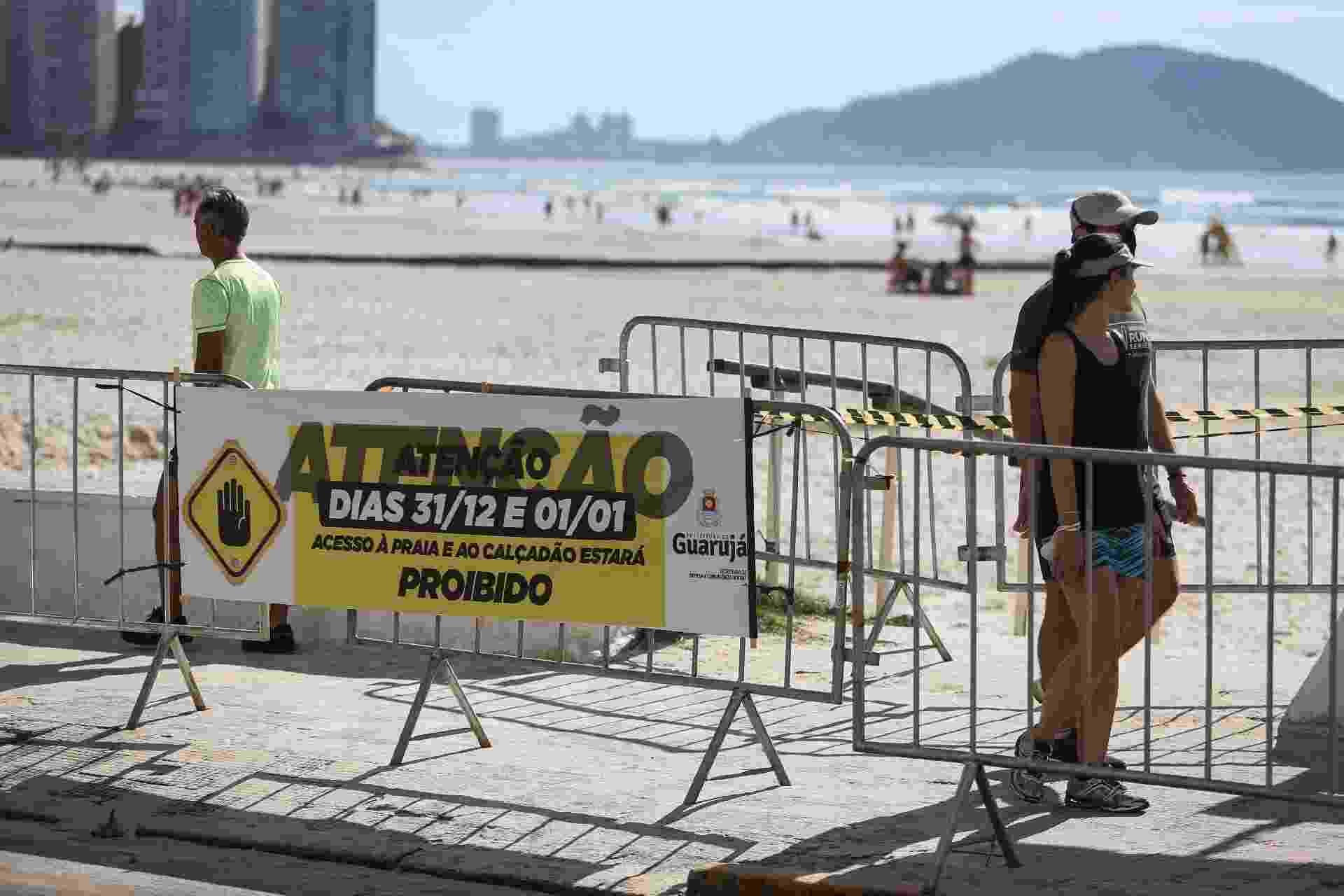 A Guarda Civil Metropolitana patrulha as praias entre Pitangueiras e Astúrias, na cidade do Guarujá, no litoral sul de São Paulo - FELIPE RAU/ESTADÃO CONTEÚDO