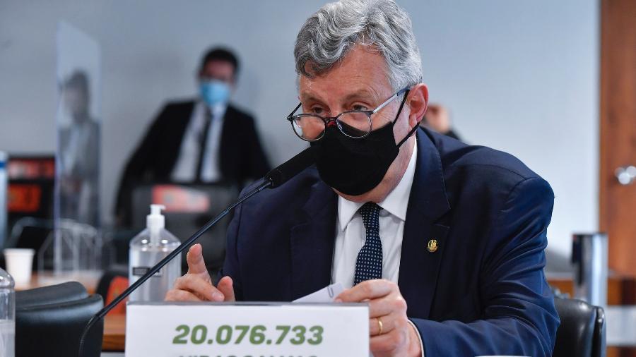 O senador Luis Carlos Heinze durante sessão da CPI da Covid - Leopoldo Silva/Agência Senado