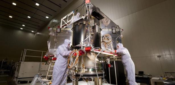 A sonda OSIRIS-Rex, que realizará a primeira missão dos EUA para retornar com amostras de um asteróide para a Terra