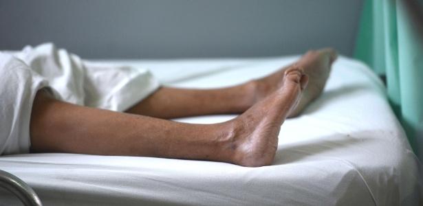 Paciente com síndrome de Guillain-Barré recebe tratamento em hospital