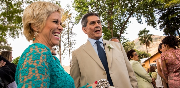 29.mai.2015 - Cristiane Brasil (PTB-RJ) e Roberto Jefferson durante cerimônia de casamento dele
