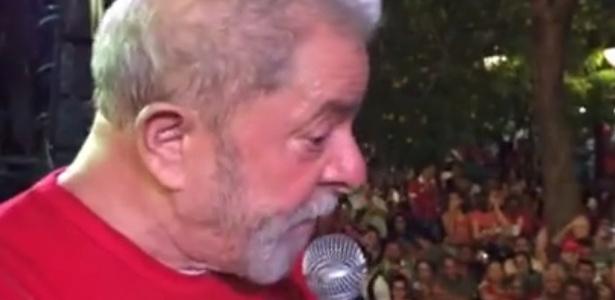 O ex-presidente Luiz Inácio Lula da Silva durante campanha em Fortaleza, em 2016