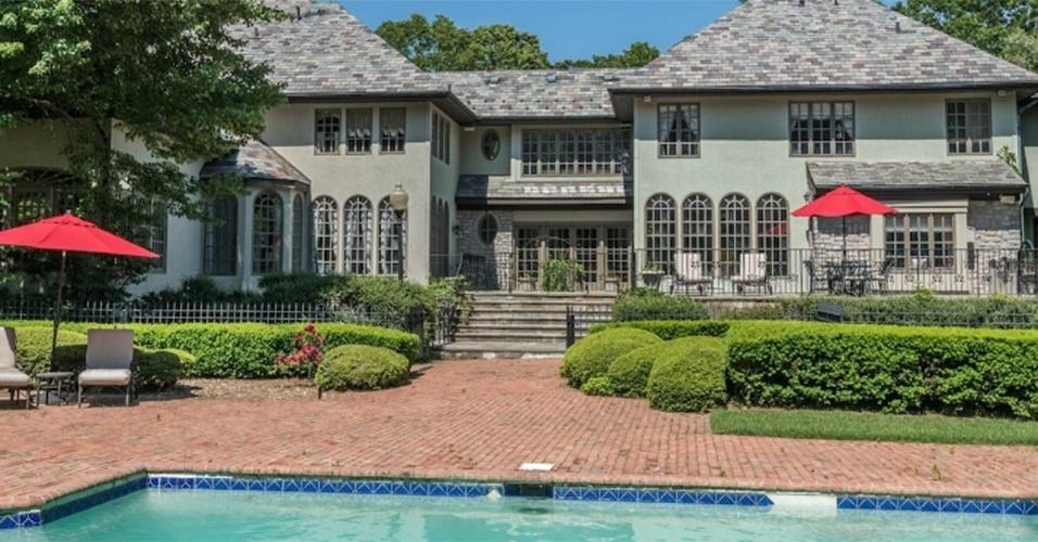 Mansão onde viveu Jordan Belfort, em Long Island