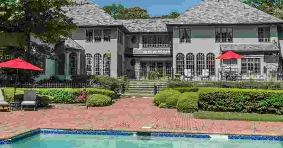Mansão onde viveu Jordan Belfort, em Long Island - Divulgação