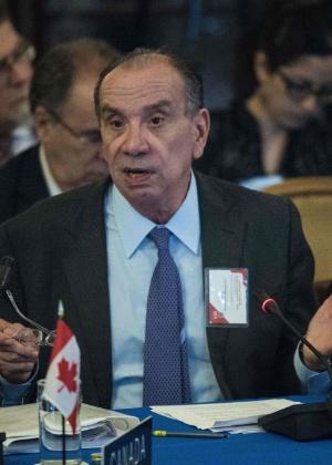 """""""Não apoiamos intervenção militar"""", diz o ministro Aloysio Nunes"""