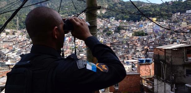23.set.2017 - Movimentação na favela da Rocinha, zona sul do Rio