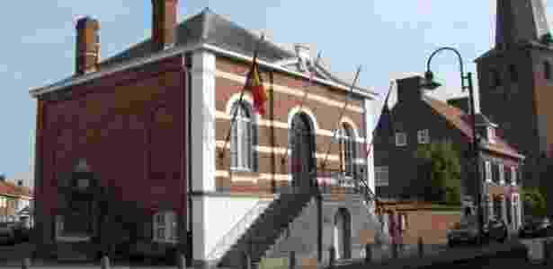 Muitos prédios em Baarle-Nassau e Baarle-Hertog são divididos ao meio pela fronteira - Toerisme Baarle - Toerisme Baarle