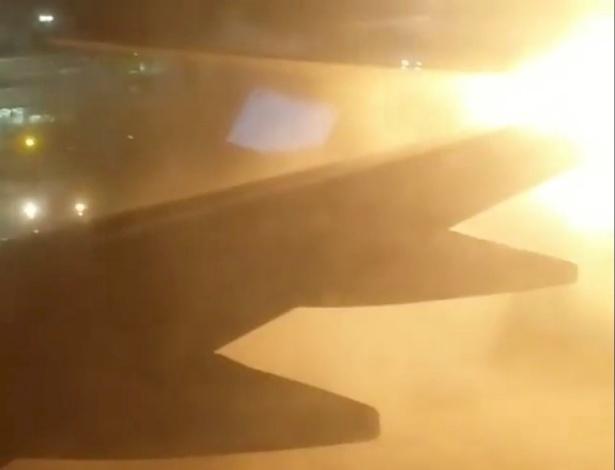 Dois aviões se chocam na pista no aeroporto de Toronto