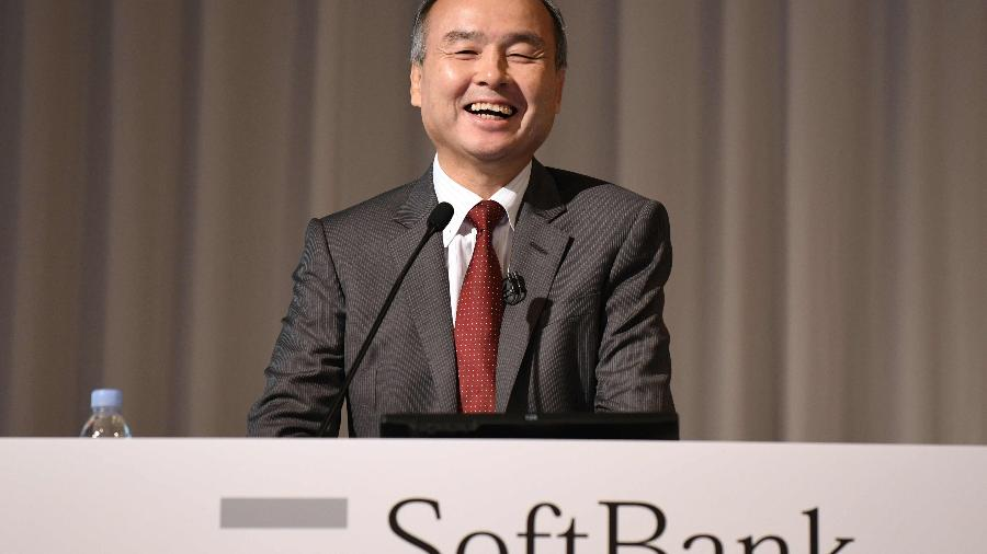 Masayoshi Son lidera o SoftBank, que tem investimentos em inúmeras empresas e startups - Kazuhiro Nogi/AFP