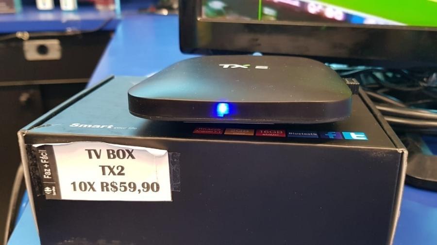 Set-top-box conhecida como Android TV Box, usado para transformar televisores tradicionais em smart TV e, nesse caso, para piratear sinal de TV paga - UOL