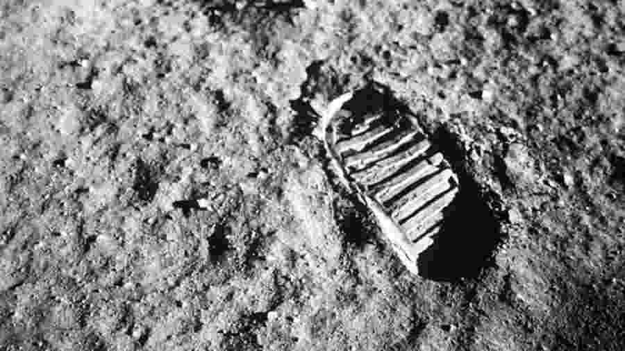Há 50 anos, o astronauta Neil Armstrong (1930-2012) disse ter dado um