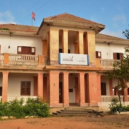A casa-grande do centro de Formação Paulo Freire no assentamento Normandia, em Caruaru (PE) - MST