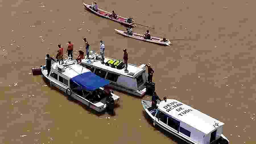 """Grupo de busca das vítimas do naufrágio do Anna Karoline no Amapá -  Brazil""""s Amapa State Press Office / AFP"""