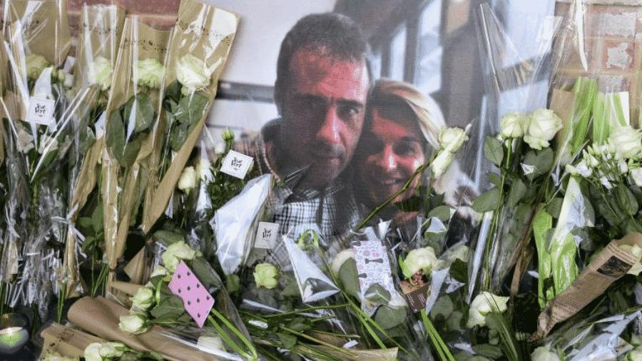 Memorial feito em homenagem ao motorista de ônibus Philippe Monguillot - Reprodução/Franceinfo