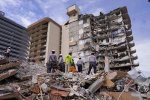 Corpo de Bombeiros de Miami Dade/Reuters