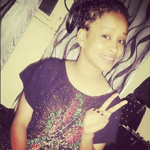 A jovem Zayra Mahamat Yosko, 16, também conhecida como Zouhoura