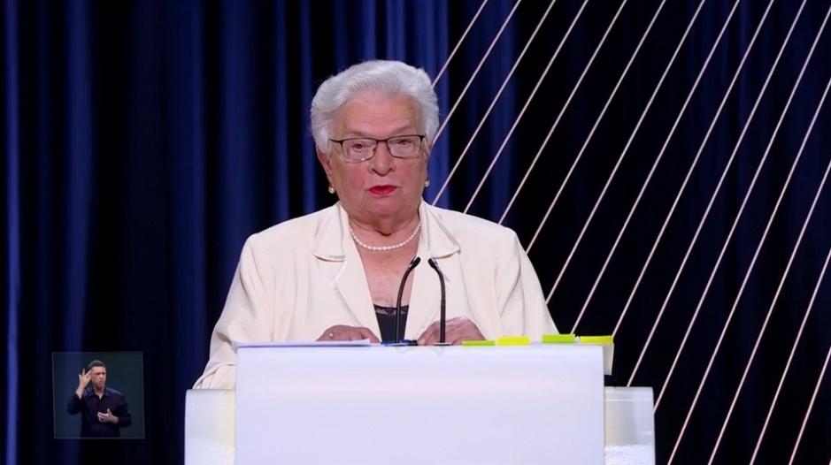 23.set.2016 - Candidata à Prefeitura de São Paulo Luiza Erundina (PSOL) participa de debate realizado por UOL, Folha e SBT