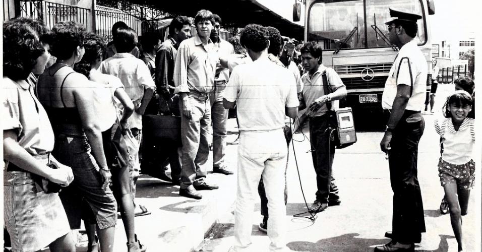 A PRIMEIRA VEZ COMO PREFEITO - Arthur Virgílio Neto, que além de político é diplomata, ocupou a cadeira de prefeito de Manaus pela primeira vez em 1988. Ele venceu a eleição pelo PSB com direito a derrota sobre o ex-governador Gilberto Mestrinho. Dois anos antes, Virgílio Neto havia perdido a eleição para governador do Amazonas