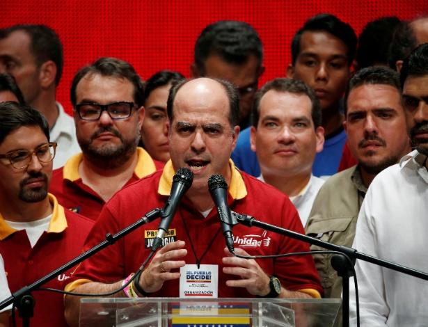 Presidente da Assembleia Nacional, Julio Borges, se pronuncia após apuração de votos