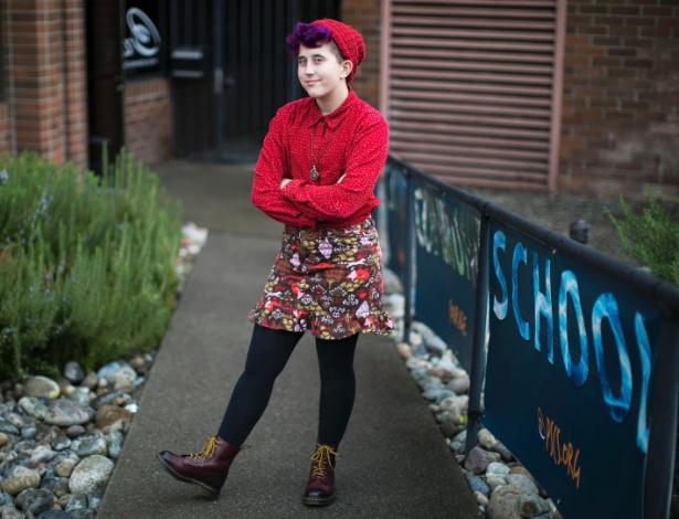Sofia Martin,18, estudante que se identifica como 'não binária', em escola em Seattle