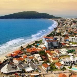 A Praia dos Ingleses é um dos destinos favoritos dos turistas em Florianópolis - Leonardo Sousa/Prefeitura de Florianópolis