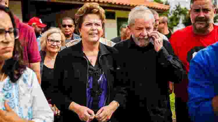 22.mar.2018 - Os ex-presidentes Luiz Inácio Lula da Silva e Dilma Rousseff durante visita à cidade de São Miguel das Missões (RS) - Ricardo Marchetti/Estadão Conteúdo