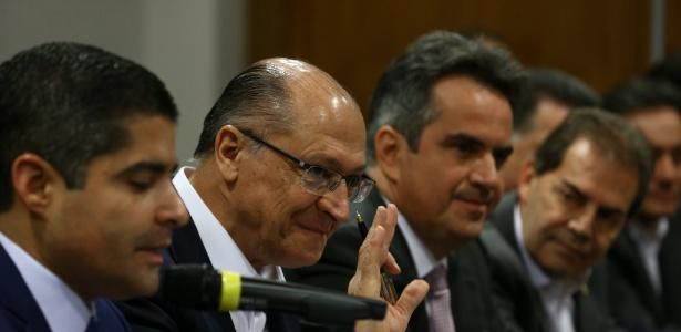 Geraldo Alckmin dá entrevista sobre o apoio do centrão a sua candidatura