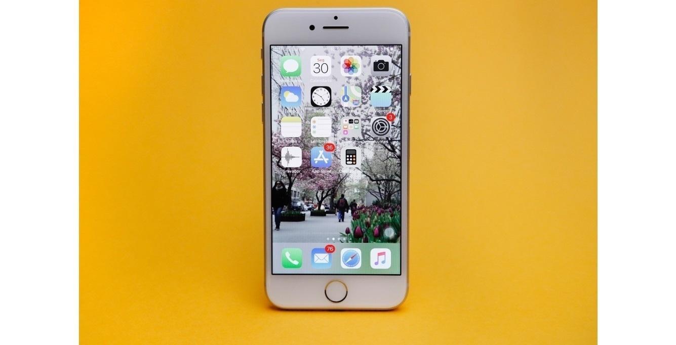 Justiça da China proíbe venda de iPhones antigos no país - 10 12 2018 - UOL  Tecnologia fc59b905af