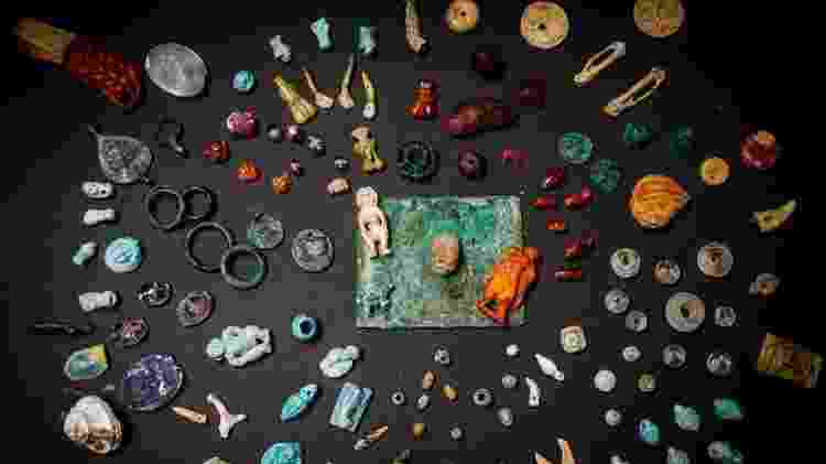 Entre os objetos, não havia ouro, o que indica que não pertenciam a um membro da alta sociedade - EPA