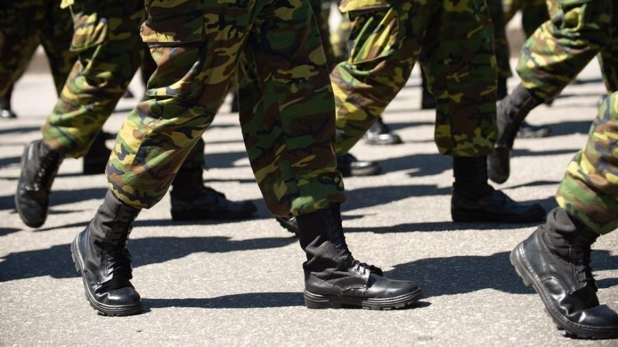 Salário de um militar expulso da corporação por cometer crime se torna uma pensão e continua a ser pago à família, como se ele tivesse morrido. - Getty Images