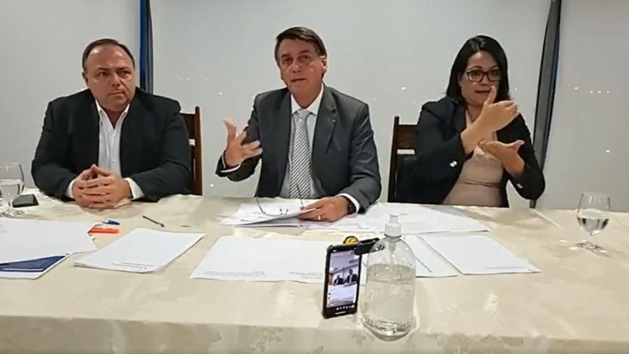 A live semanal do presidente Jair Bolsonaro do dia 14 de janeiro deste ano foi removida pelo Youtube - Reprodução/Facebook/Jair Messias Bolsonaro