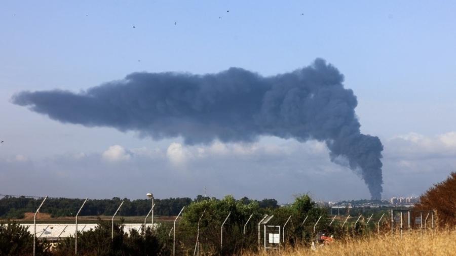 Fumaça na Faixa de Gaza após ataques de Israel  -  EMMANUEL DUNAND/AFP