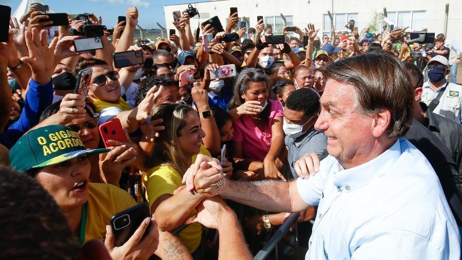 11.jun.2021 - Presidente Jair Bolsonaro (sem partido) com apoiadores, no Espírito Santo - Alan Santos / PR