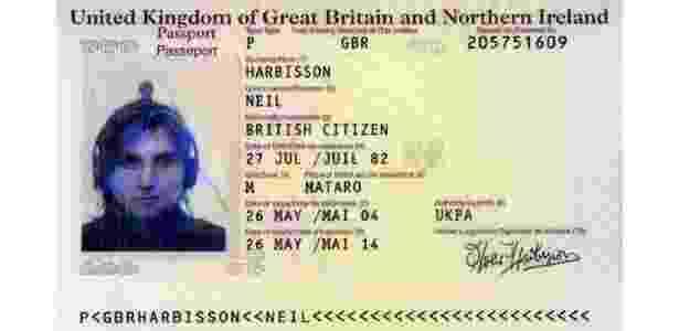 29.jan.2016 - Neil Harbisson passaporte - Reprodução - Reprodução