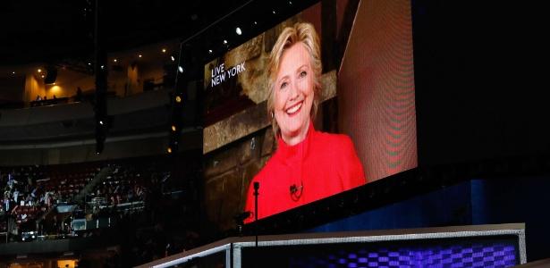 27.jul.2016 - Hillary discursa em vídeo durante a convenção nacional democrata