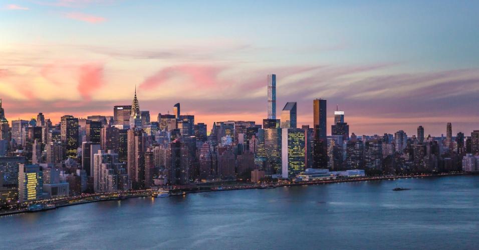 06.set.2016 - O preço dos apartamentos começa em US$ 17,5 milhões (cerca de R$ 57,3 milhões), como a unidade 36A, com 372 metros quadrados. O mais caro custa US$ 44,25 milhões (R$ 145 milhões) --é o caso da unidade 80B, com seus 503,6 metros quadrados