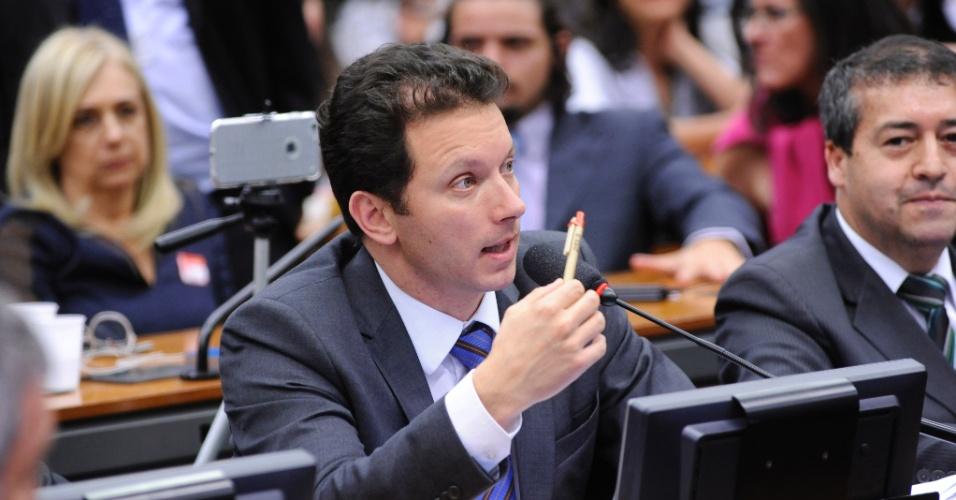 27.out.2015 - Nelson Marchezan Júnior discursa em audiência pública na Câmara dos Deputados. Ele está em seu segundo mandato como deputado federal