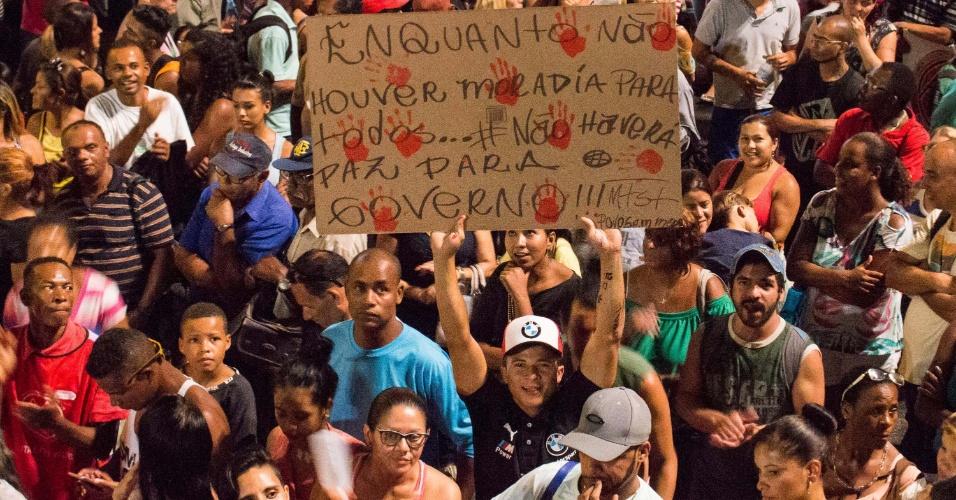 15.fev.2017 - Manifestantes dizem que não deixarão o acampamento até que uma autoridade do governo federal escute as reivindicações do movimento