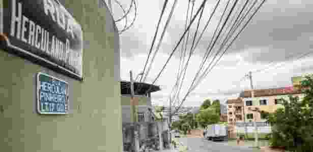A aparência de tranquilidade da rua Herculano Pinheiro esconde que o local é um dos mais visados por assaltantes para roubar cargas no Rio - Marco Antonio Teixeira/UOL